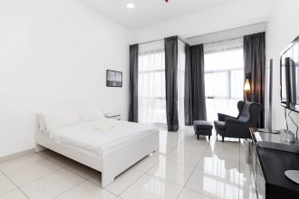 Bright and Comfy Studio 10 Minutes From Klcc
