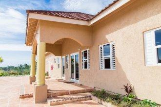 Ocho Rios Getaway Villa at Draxhall