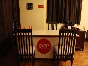OYO Rooms GK2 M Block Market