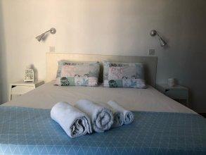 Light & Blue Marelia Apartments
