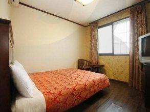 Eulwang Tourist Hotel