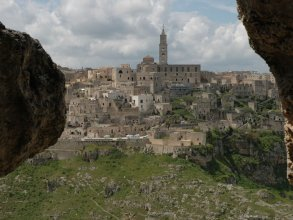 Spacious Apartment at a 10-minute Walk From the Historic Center of Matera