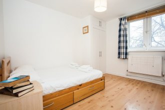 Fantastically Located 1 Bed Near Waterloo Station