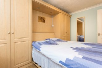 2 Bedroom Flat 2 Minutes from the River