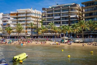 Apartment With 2 Bedrooms in Salou, With Wonderful sea View and Wifi - 10 m From the Beach
