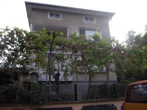 Sakutski Guest House