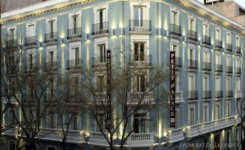 ICON Wipton by Petit Palace