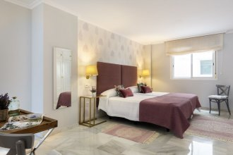 Luxury 3 Bd Apartment Next To the Cathedral. Constitución III