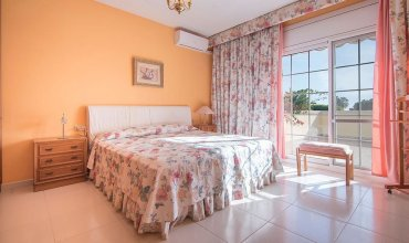 Gallery Villa 650M From The Beach (R81)