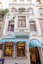 Dora Hotel