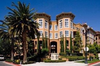 Global Luxury Suites at North Park