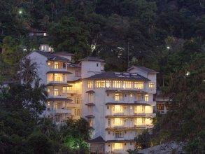 Oak Ray Serene Garden Hotel