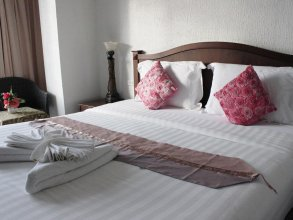 Pimnarah Suites Privileged Service Apartment