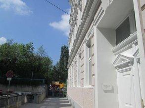 Pilgram Apartments
