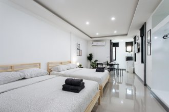 P4 Silom Large 2beds full kitchen WIFI 4-6pax