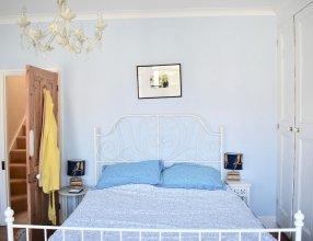 Bright 2 Bedroom House in Central Brighton