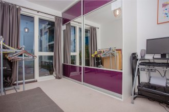 Beautiful Spacious Apartment with Private Balcony