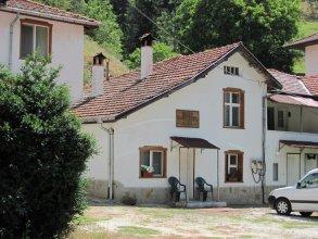 Petleto Houses
