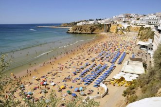 Apartment With one Bedroom in Albufeira, With Wonderful Mountain View, Shared Pool and Enclosed Garden - 2 km From the Beach