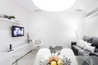 Serrano Apartment  by FlatSweetHome