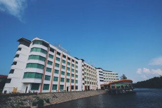 The Regency Waterfront Hotel