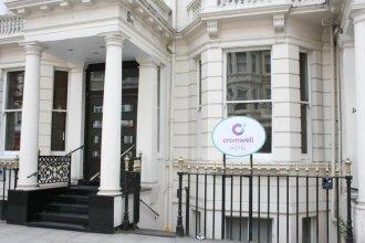 Cromwell International Hotel