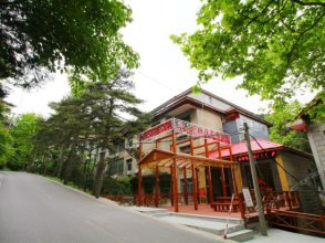 Jiujiang Lushan Qian Yi Hotel