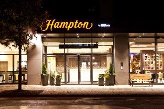 Hampton by Hilton Berlin City East Side Gallery