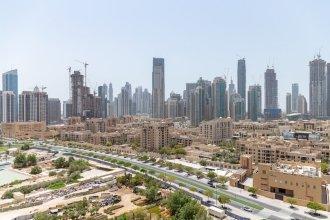 Sophisticated 2BR With Stunning Burj Khalifa Views