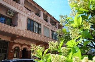 Guesthouse and Hostel Batumi Globus