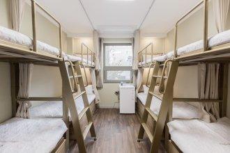 Shining Glory House - Hostel