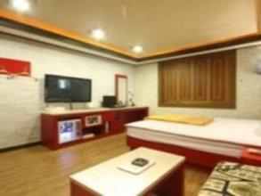 M Motel