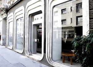 Operastreet.Com Apartments