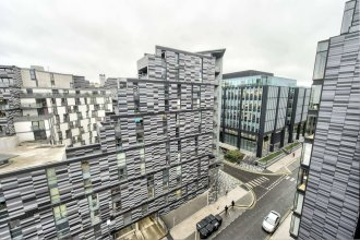 Stylish Top Floor Apartment in the City Centre