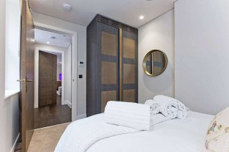 Luxury 2 bed with lift ac and concierge