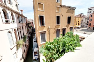 Santo Stefano Accademia Apartment Venice