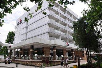 Отель Амелия