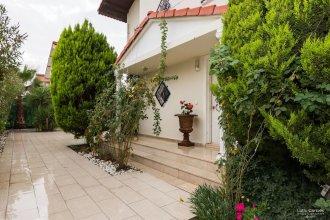 Villa Cona By Villatatilin