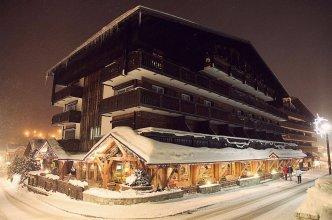 Chalet-Hôtel La Marmotte, La Tapiaz & SPA, The Originals Relais (Hotel-Chalet de Tradition)