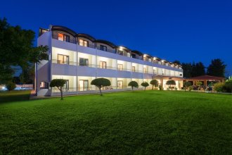 Matoula Beach Hotel