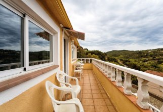 Apartment With one Bedroom in Vidreres, With Wonderful Mountain View, Enclosed Garden and Wifi - 8 km From the Beach