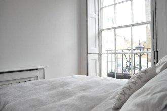 Charming 1 Bedroom Flat on Peaceful Road Near Baker Street