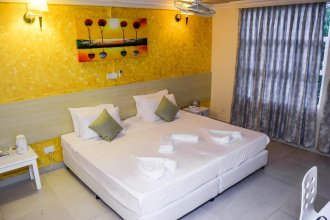 Отель Beach Grand & Spa Premium