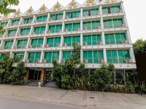 Nida Rooms Petkasem 581 Golden Place