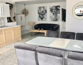 La Sala - Shabby Chic Bungalow in 5 min Walk From the Puerto Banus Beaches