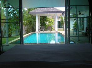 CasaBlue Pool Villa