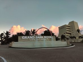 Grand Park Royal Luxury Resort Cancun Caribe
