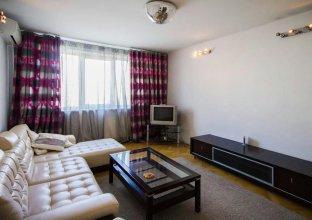 Na Suzdalskoj 10/2 Apartments