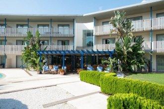PortAventura Hotel Caribe - Theme Park Tickets Included