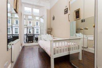 Amazing Chelsea Flat With Stunning Balcony